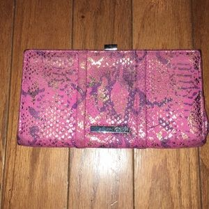 Kenneth Cole Reaction Clutch /Wallet